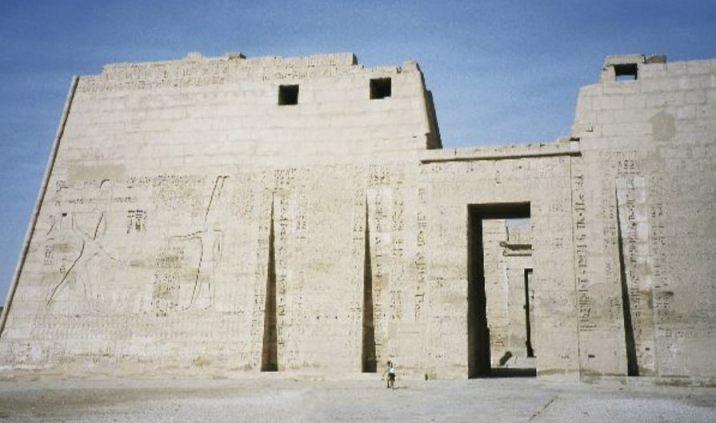 Tempel van Ramses III in Medinet Haboe, Luxor (CC BY-SA 3.0 - wiki)