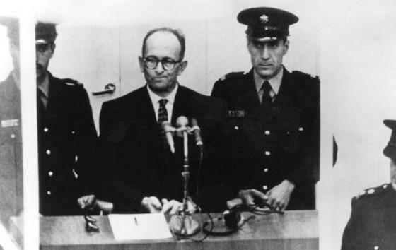 Eichmann tijdens het proces