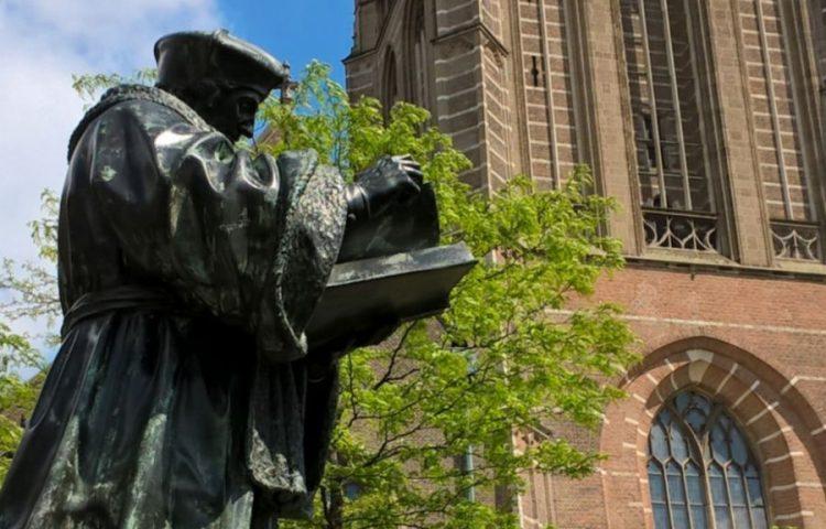 Beeld van Erasmus in Rotterdam (cc - Ruyblas13)