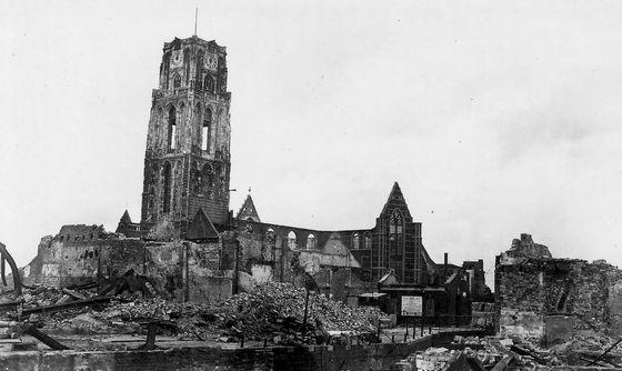 Laurenskerk na het bombardement