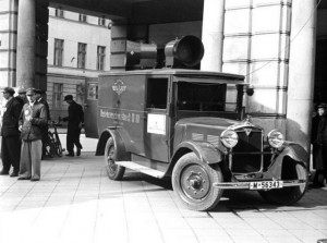 Luidsprekerwagen van het NSKK in het door de Duitsers bezette Posen (Poznań), oktober 1939
