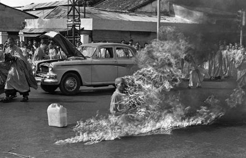 Zelfverbranding van Thich Quang Duc – Foto Malcolm Browne – Wiki Commons