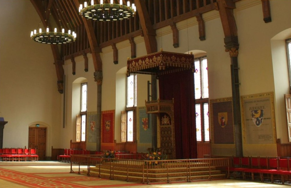 De troon in de Ridderzaal