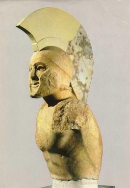 Griekse krijger met helm, vijfde eeuw voor Christus - Foto: CC