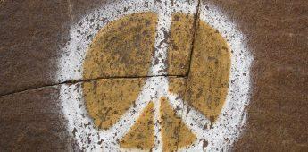 Het Peace-teken, van keizer Nero tot 'nuclear disarmament'