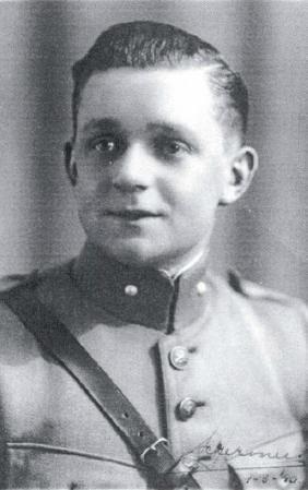 Vaandrig Gert Schermers in maart 1940