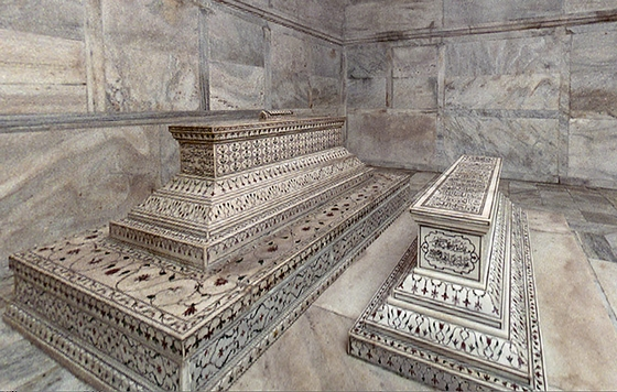 Graftombes in de Taj Mahal. Bron: cc/William Donelson