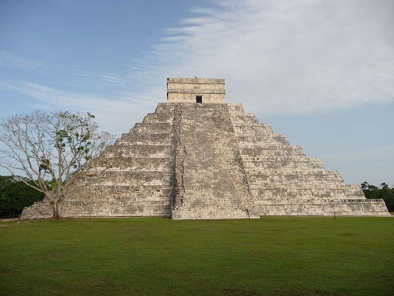 Beroemde tempel in de Maya-stad Chichén Itzá - Foto: CC/M.Phernambucq