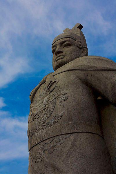 Standbeeld van de Chinese admiraal en ontdekkingsreiziger Zheng He