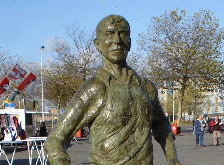 Beeld van Moulijn bij het Feyenoord-stadion