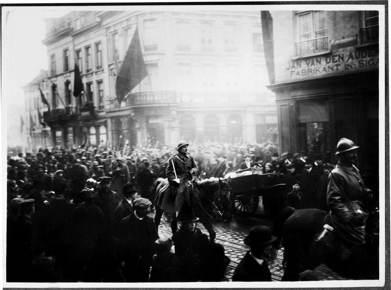 Belgisch, Antwerpen, november 1918 - Foto: Uitgeverij Kannibaal