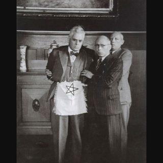 NSB'ers nemen burgemeester van Rotterdam te grazen, 1941