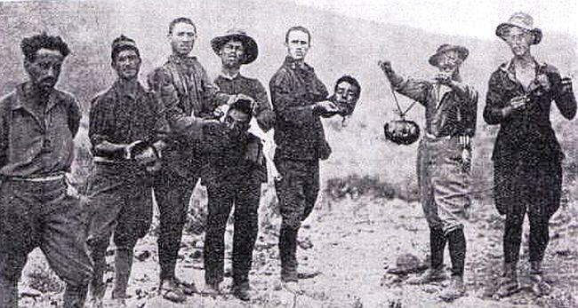 Koppensnellers van het Spaanse Vreemdelingenlegioen in 1922 (wiki)