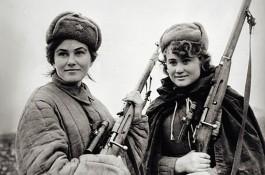 Kovpak partizanen met gescoopte Mosin-Nagant geweren (Wiki)