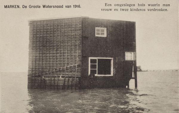 De watersnoodramp van 1916 Marken onder water ©Zuiderzeemuseum