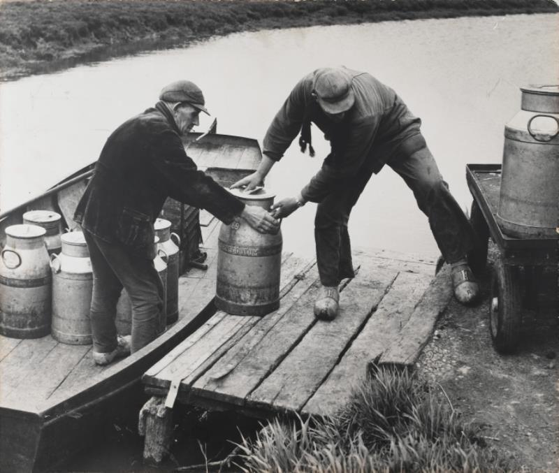 Melkvaarder Tjitse Postma uit Loënga, 1950 (Maritiem Museum)
