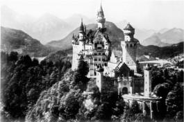 Slot Neuschwanstein, het voormalige hoofddepot van de Einsatzstab Reichsleiter Rosenberg. (Bron: U.S. National Archives)