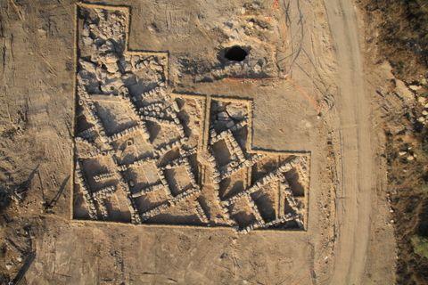 Luchtfoto van het 2300 jaar oude dorp