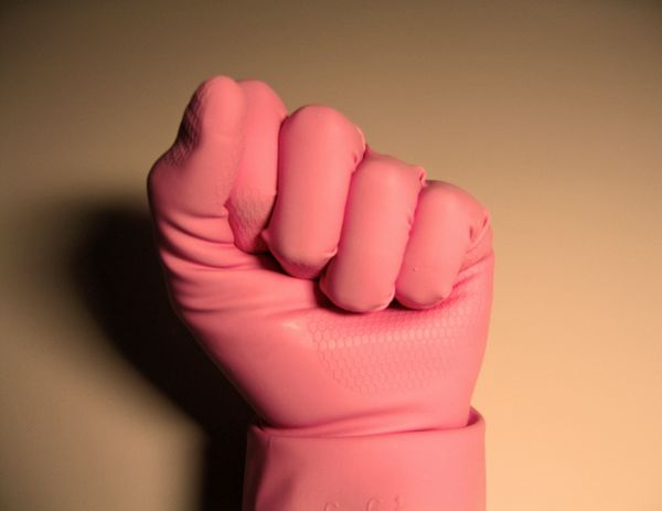 Roze handschoen (stock.xchng)