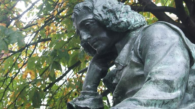 Standbeeld van Spinoza, Paviljoensgracht, Den Haag (CC)