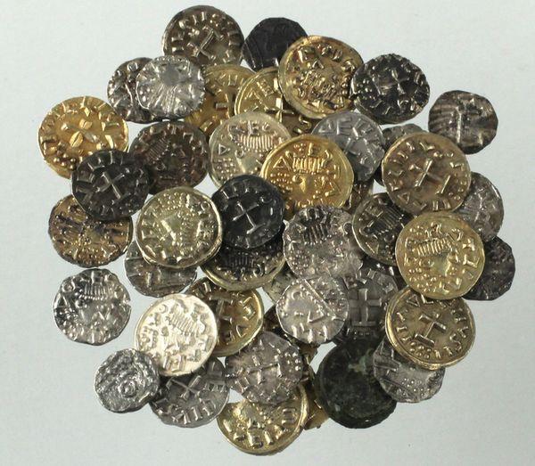 Vroegmiddeleeuwse muntschat die onlangs in Utrecht werd gevonden (RCE)