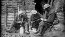 Canadezen in een loopgraaf, 1916 - Bibliothèque nationale de France