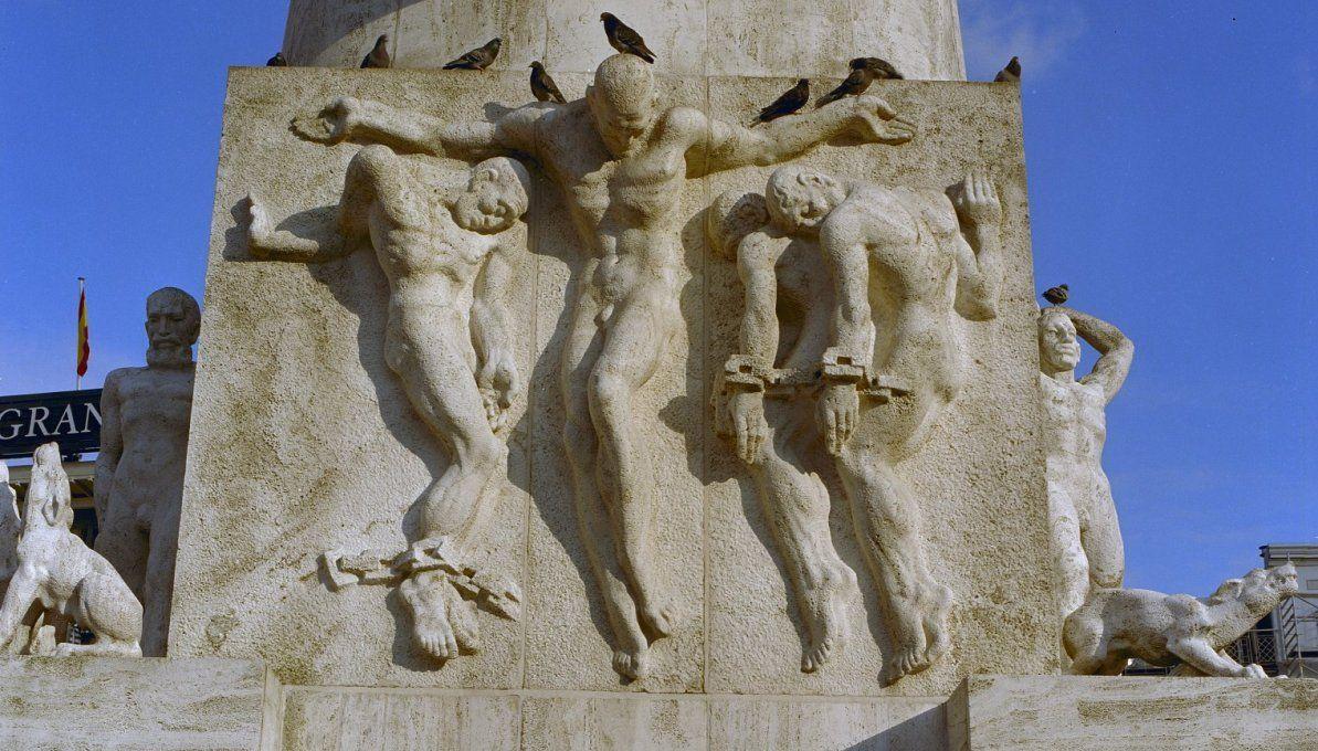 Nationaal Monument op de Dam - Geschiedenis & Symboliek