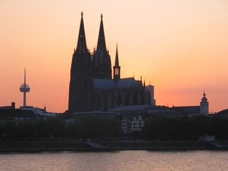 Dom van Keulen bij zonsondergang - cc