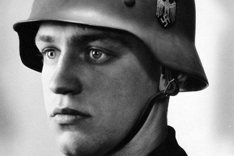 Werner Goldberg de 'ideale soldaat'. Zijn beeltenis was te vinden op verschillende wervingsposters van de Wehrmacht