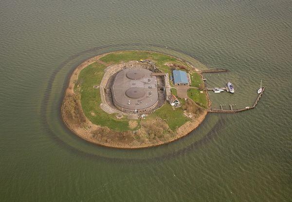 Luchtfoto van fort Pampus (cc Johan Bakker)