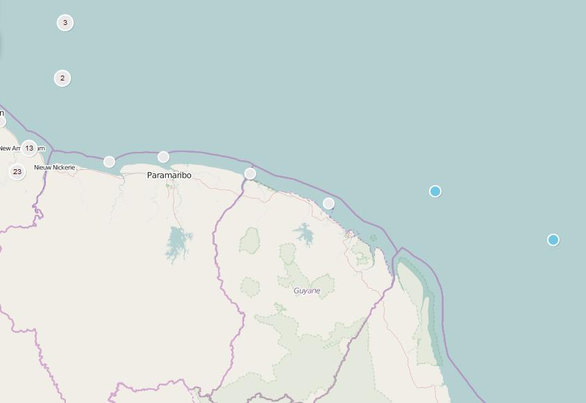 Dezelfde positie op een actuele kaart. Paramaribo was nog maar drie dagreizen verwijderd, maar d'Eenigheid zeilde door.