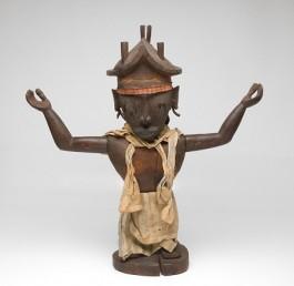 Een van de andere beelden uit de groep - Tropenmuseum