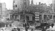 Verwoeste huizen in Berlijn, 1945 - Bundesarchiv