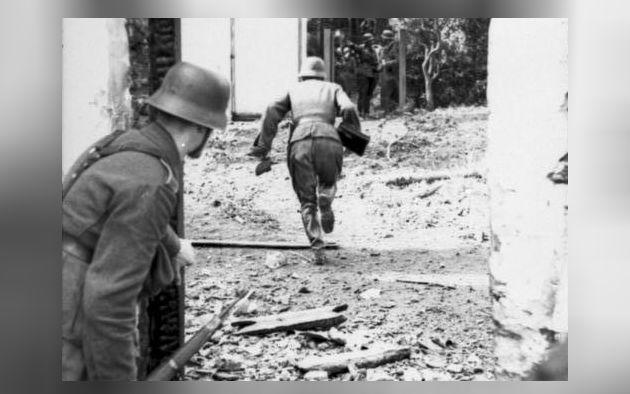 Duitse troepen tijdens de Slag om Arnhem