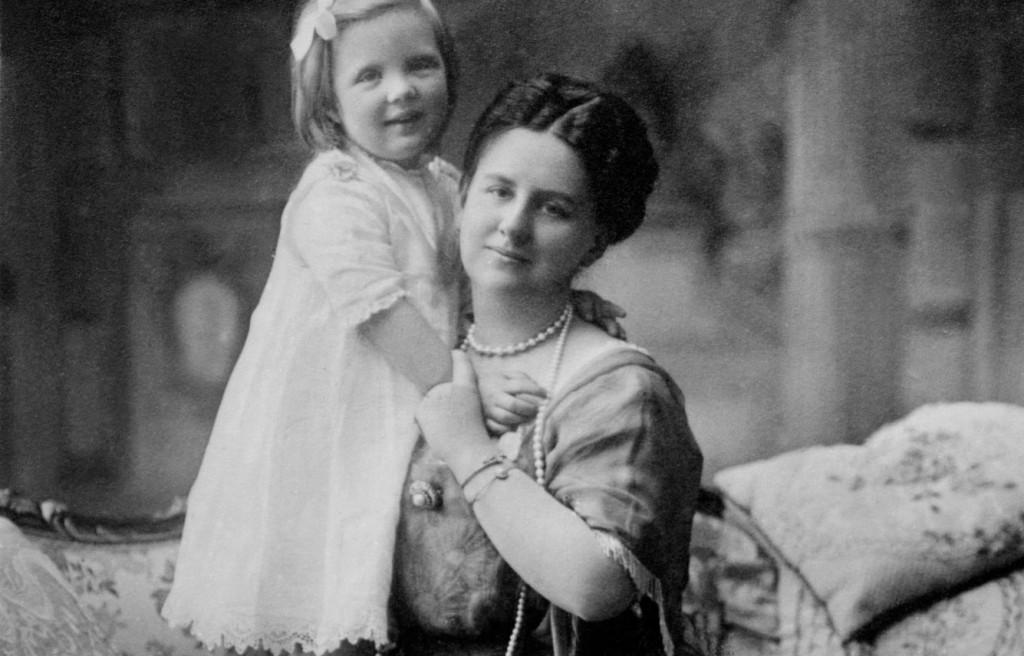 Koningin Wilhelmina en Juliana, ca. 1914