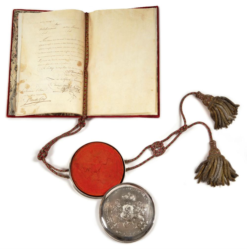 Fluwelen portefeuille met zilveren zegeldoos (Erfgoedcentrum Rozet)