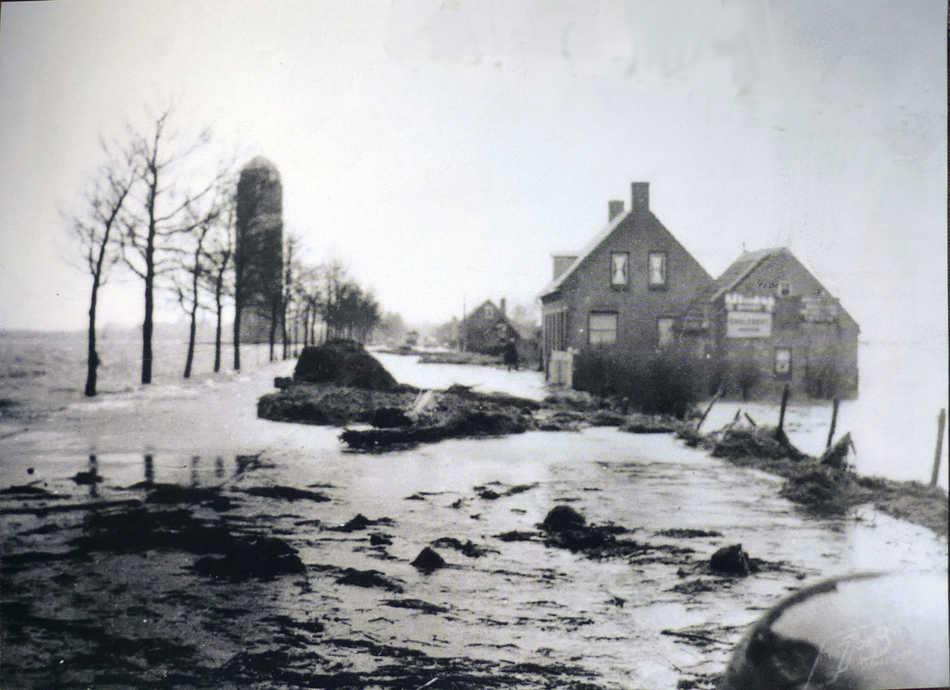 Oosterhoutseweg Raamsdonksveer 1953 - 3 februari (Openluchtmuseum)