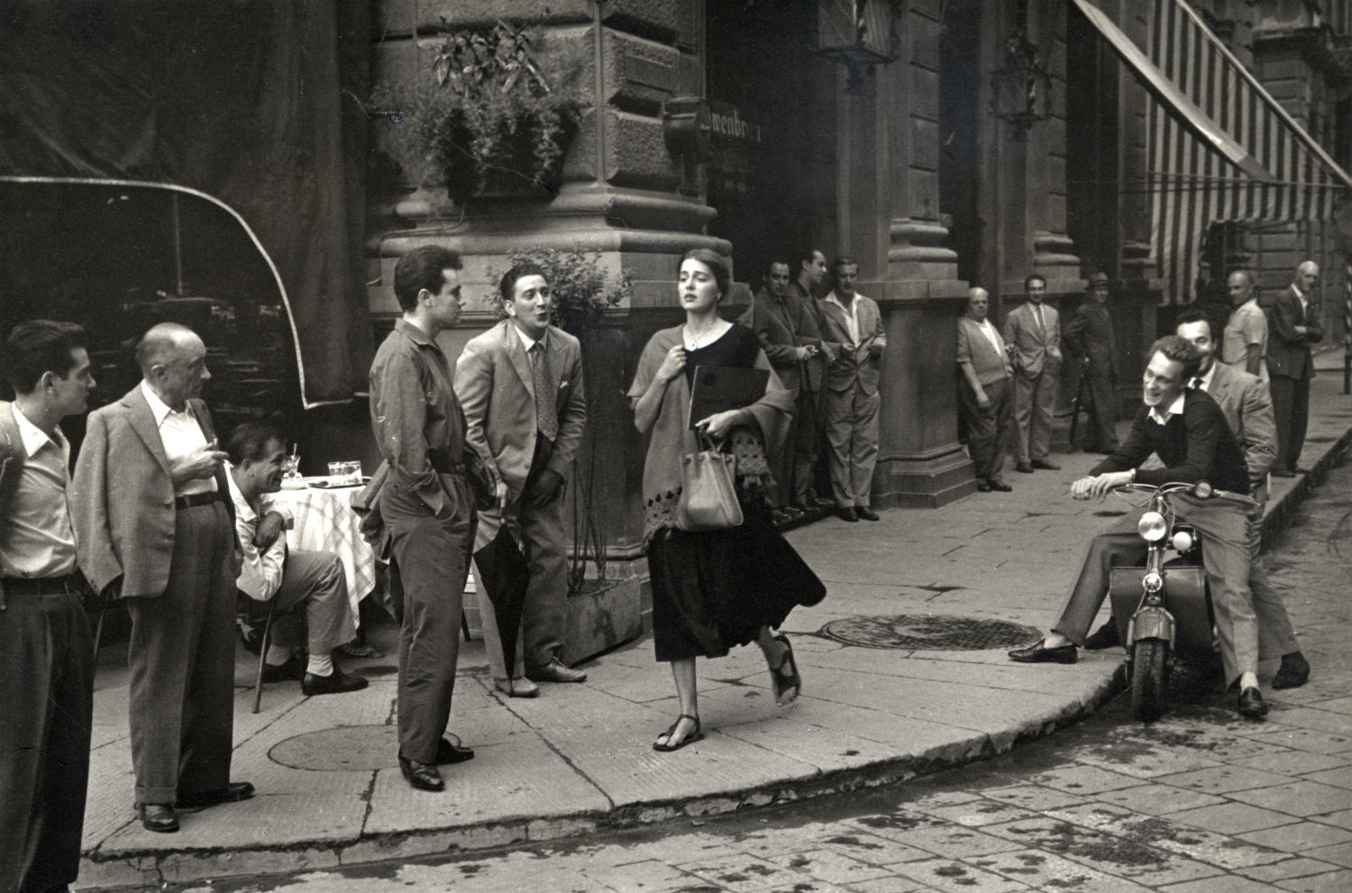 Ruth Orkin, American Girl in Italy, 1951 © Ruth Orkin. Courtesy of Howard Greenberg