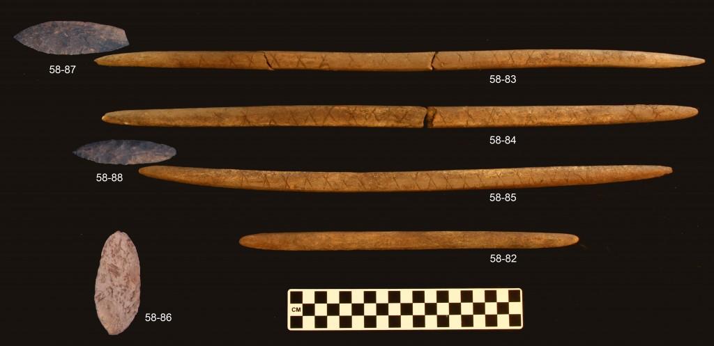 Objecten die in het graf zijn gevonden (Universiteit van Alaska)