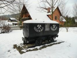 Een kolenwagon uit de Wismut in Königstein. (Wikimedia Commons)