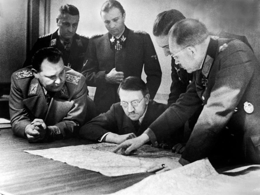 Hitler en zijn staf (najaar 1944)