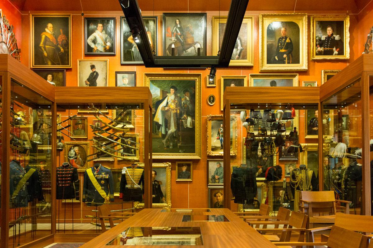 Schilderijenwand Schatkamer (NMM)