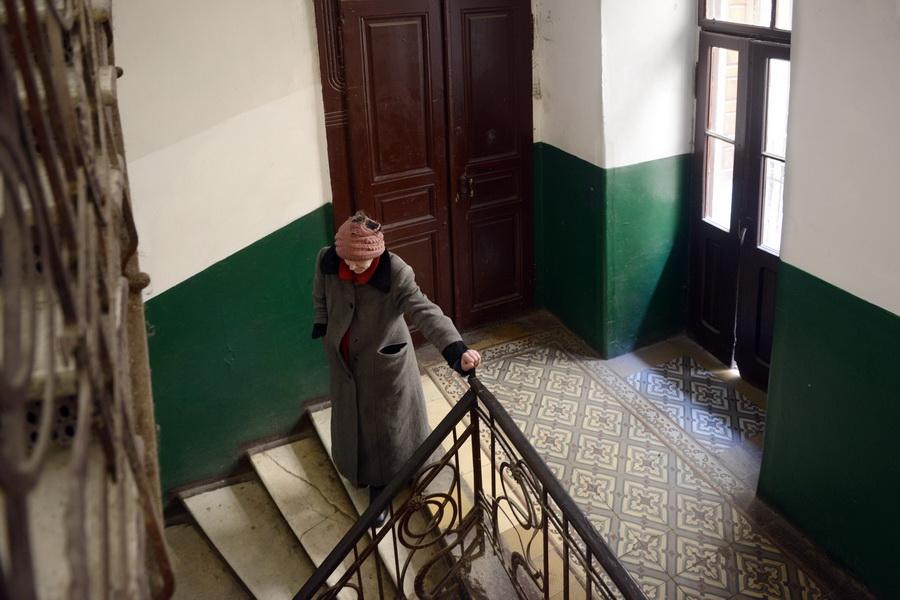 Vervallen trapportalen, zoals er zoveel zijn in Lviv. (Lviv, stad van paradoxen)