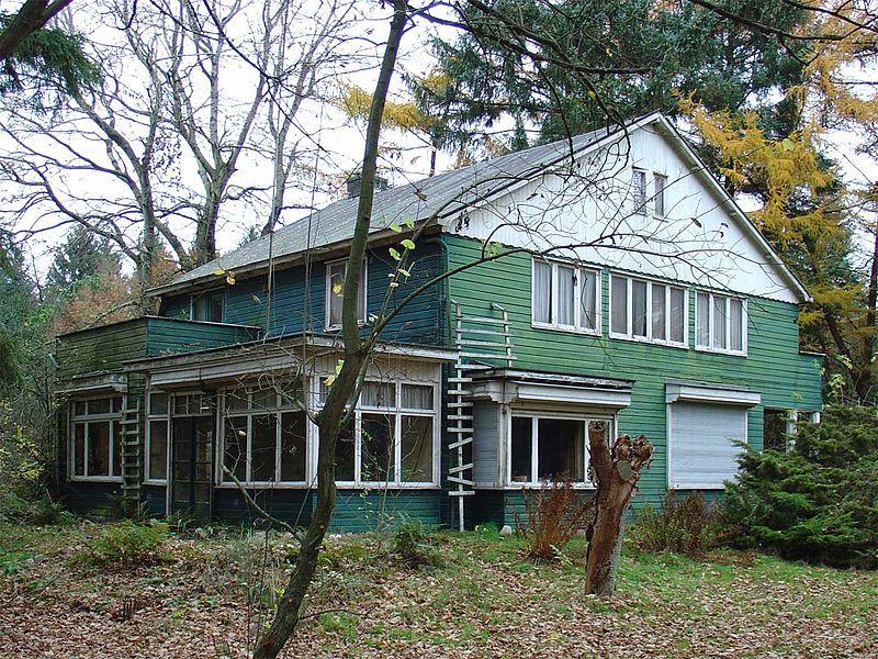 De bewaard gebleven woning van Albert Konrad Gemmeker, commandant van het voormalige Kamp Westerbork (cc 2007)