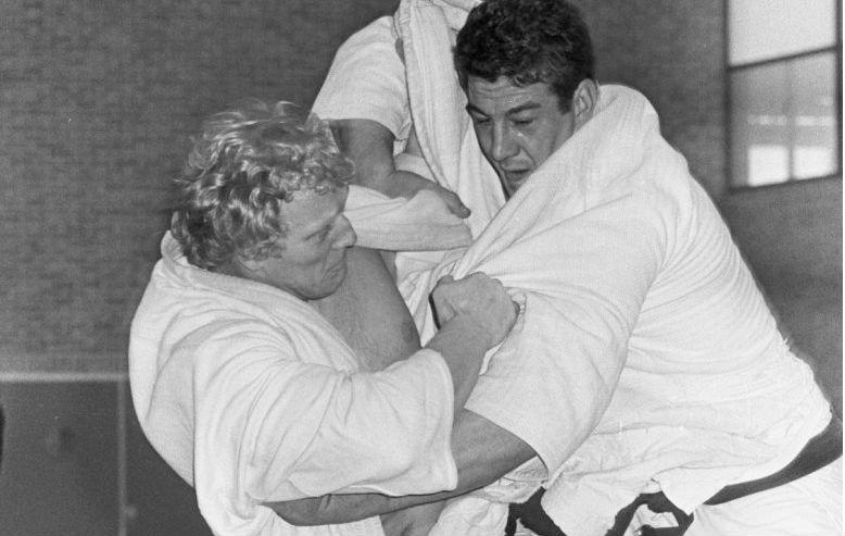 Wim Ruska (links) tijdens de finale van het Nederlands kampioenschap van 1968 (cc - Anefo - Ron Kroon)