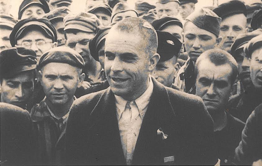 Pim Boellaard, kort na de bevrijding van Dachau (NIOD)