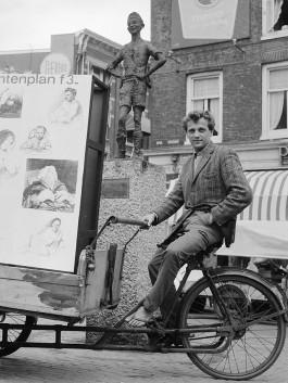 Robert Jasper Grootveld, 1964 (cc - Anefo - Nationaal Archief)
