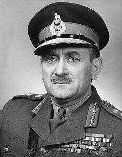 Luitenant-generaal Charles Foulkes