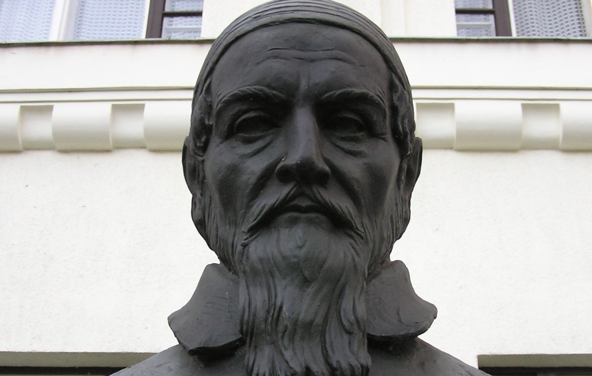Buste van Comenius in Sárospatak, Hongarije - cc
