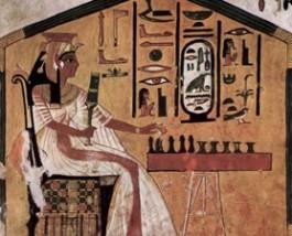 Nefertiti speelt Senet